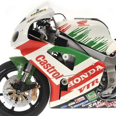 Honda VTR 1000 V.Rossi & C.Edwards Team Castrol Honda 8 Hours Suzuka 2000 L.E. 5099 pcs. by Minichamps