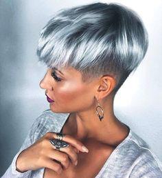 20 gray-blue hair color trend for women Trend bob hairstyles 2019 - Frisur Ideen Short Silver Hair, Short Grey Hair, Silver Blonde, Short Hair Cuts, Pixie Cuts, Dyed Pixie Cut, Blue Grey Hair, Hair Color Blue, Cool Hair Color