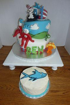 Dr. Seuss cake and smash cake