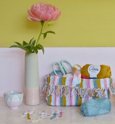 A perfect basket for your yarn Een perfect mandje voorhellip Chrochet, Bunting, Purses And Bags, Free Pattern, Boho, Diy Crafts, Stitch, Knitting, Cotton