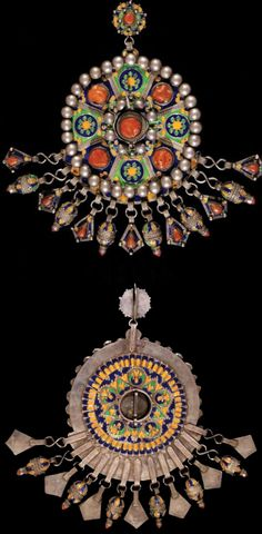 Algeria | Large fibula ~ Tabzimt ~ from the Kabyle, of the Beni Yenni region. | Silver, decorated with enamel and coral.  The back is also decorated with enamel | Est. 4 000 - 4 500€ (Dec '12)