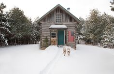 /// Family log cabin in Northern Wisconsin by photographer Stephanie Schuster