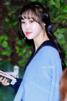 191113 GMP 출국 - 이리디센트 윶 South Korean Girls, Korean Girl Groups, Gfriend Yuju, Eye Of The Storm, G Friend, Kpop Groups, Kpop Girls, Ponytail, Singer