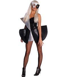 Lady Gaga jurk met masker. Dit is een sexy zwart/wit mini jurkje met zwart/wit masker. U loopt er gegarandeerd origineel bij met dit Gaga jurkje. Carnavalskleding 2015 #carnaval