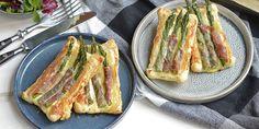 Små butterdejstærter med asparges og parmaskinke Lchf, Fresh Rolls, Tapas, French Toast, Feta, Grilling, Bacon, Recipies, Food And Drink