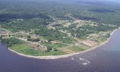 Mbini llamada Río Benito durante el periodo colonial, es una localidad de la provincia ecuatoguineana de Litoral. Está localizada geográficamente en la delta del río Mbini actualmente denominado río Eyo (antes Benito) que mide 1800 metros de anchura, en el centro de la costa de Río Muni.  Mbini, en la parte central del litoral continental de Guinea Ecuatorial. Tiene una población aproximada de 20.295 habitantes. Es cabeza del distrito del mismo nombre.
