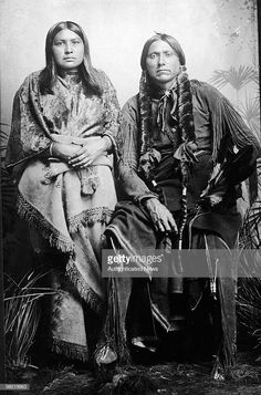 Last great chief of the North American Comanche indian tribe Quanah Parker (c. 1840 - sits and poses for a photograph with one of his eight wives after his capture, Fort Sill, Oklahoma, June Parker, the son of captive woman Cynthia Ann Par Native American Pictures, Native American Wisdom, Native American Beauty, Native American Tribes, American Indian Art, Native American History, American Indians, American Symbols, American Women
