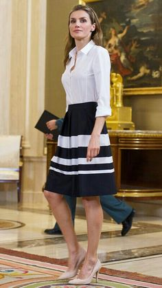 Queen Letizia of Spain's Most Captivating Style Moments - May 2014 from InStyle Corporate Wear, Corporate Fashion, Business Fashion, Business Casual, Work Fashion, Fashion Looks, Office Fashion, Spring Fashion, Queen Letizia