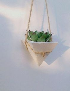 Modern white concrete planter, succulente modern planter, home decor, hanging planter, air planter holder
