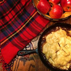 Sunday Funday! Finally put the apples we picked to good use with a skillet pie! Sure does feel like fall now :)