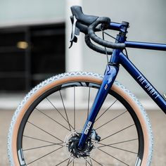 The Draft. Comet Eater gravel bike. Andrés Arregui | urbancycling.it Road Bike, Bicycle, Bmw, City, Bike, Bicycle Kick, Road Racer Bike, Bicycles, Cities
