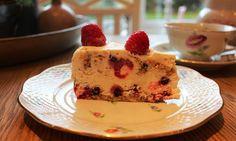 Monicas Matverden: Semifreddo kake med hjemmelaget marengs og sjokoladesaus