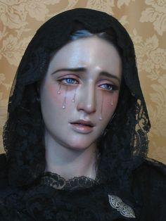 """""""Victoria Bobullos"""".  Escultor. Francisco Romero Zafra (Córdoba, Andalucía)."""