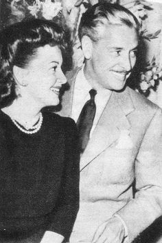 Ronald Colman and Olivia de Havilland plot and plan a British Relief 1941 Golden Age Of Hollywood, Classic Hollywood, Old Hollywood, Ronald Colman, Classic Movie Stars, Classic Movies, Errol Flynn, Olivia De Havilland, British American