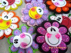 Kids Crafts, Foam Crafts, Diy And Crafts, Arts And Crafts, Paper Crafts, Doll Quilt, Felt Art, Flower Cards, Flower Pens