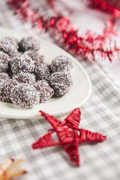 Vánoční cukroví: 3x super snadné nápady z kokosu - Proženy Cereal, Breakfast, Food, Morning Coffee, Essen, Meals, Yemek, Breakfast Cereal, Corn Flakes