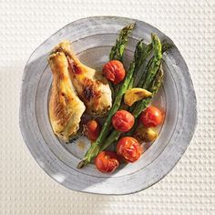5 Easy Weeknight Dinner Recipes, Including Chicken And Asparagus Pan Bake Asparagus Dishes, Baked Asparagus, Asparagus Recipe, Entree Recipes, Easy Dinner Recipes, Yummy Recipes, Drumstick Recipes, Paleo Chicken Recipes, Spring Recipes