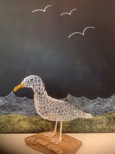 Seagull now complete, looking good on his driftwood stand