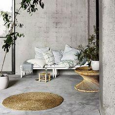 Table basse ronde en rotin naturel Palmatable Tine K Home