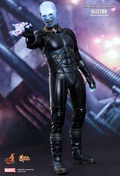 Figura Electro 30 cm con luz. The Amazing Spiderman 2: el poder de Electro. Hot Toys Estupenda figura articulada de Electro de 30 cm, a escala 1/6 visto en el exitoso film de The Amazing Spiderman 2: el poder de Electro 100% oficial y licenciada.