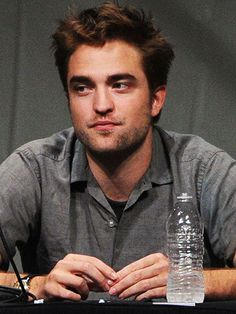 Robert Pattinson to Break Silence on Live TV #CouplesNews