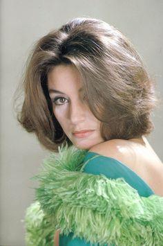 Anouk Aimee - gorgeous hair!