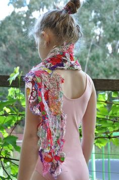 Foxs Lane: Their scrappy space! (How to Solvy). This scarf is made entirely from scraps. Scrap Fabric Projects, Fabric Scraps, Sewing Projects, Water Soluble Fabric, Upholstery Fabric Online, Fabric Cutter, Chenille Fabric, Cotton Fabric, Textiles