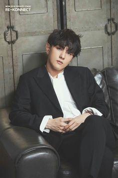Donghyuk is a model Yg Ikon, Ikon Kpop, Kim Jinhwan, Chanwoo Ikon, Hip Hop, Teen Top Cap, Yg Entertainment, K Pop, Bobby