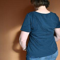 12 aus dem Stoffregal. 1.Struktur Ton-in-Ton Muster auf Jersey Mens Tops, T Shirt, Fashion, Clay, Patterns, Kleding, Supreme T Shirt, Moda, Tee Shirt