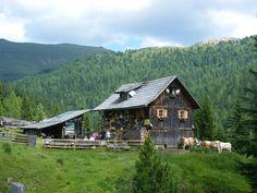 Fast haben die fleißigen Wanderer der Thermenwelt Hotel Pulverer die urige Tangener Hütte erreicht. Bis zur Jause ist es nicht mehr weit ...