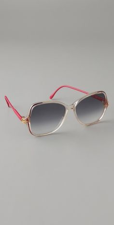 5029734e6acc Vintage Gucci Sunglasses w  pink stems and gradient lenses. Obsessed.  Sunnies Sunglasses