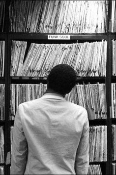 .Just love this picture.. So much choice so little dosh .. time ..takes me back.to my vinyl search days. Rich