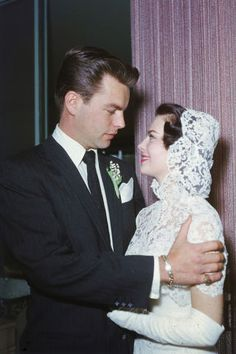 19 vintage photos from the most beautiful celebrity weddings of all time: Robert Wagner and Natalie Wood