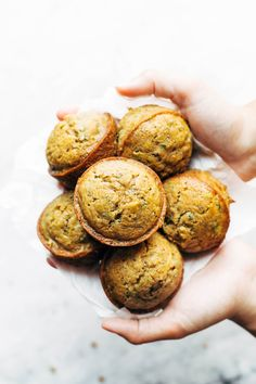 These Lemon Poppyseed Zucchini Muffins are the BEST! Lemony and bright and made with simple ingredients like zucchini, olive oil, flour, and sugar. Muffin Recipes, Brunch Recipes, Baking Recipes, Breakfast Recipes, Vegan Recipes, Lunch Snacks, Healthy Snacks, Healthy Eating, Breakfast Muffins