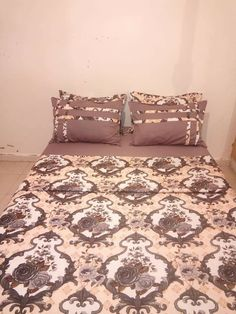 Bow Pillows, Sewing Pillows, Draps Design, Wedding Plates, Bed Design, Bed Spreads, Eid, Bed Sheets, Chevrolet