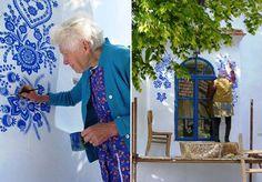 """""""Eu tento ajudar a decorar o mundo um pouquinho"""", diz Agnes Kasparkova. A moradora da vila tcheca de Louka, na Morávia, tem 87 anos e muita inspiração para pintar as casas da vizinhança com motivos tradicionais. Agnes trabalhou na área da agricultura e, desde que se aposentou, há 30 anos, tem usado a maior parte de seu tempo livre pintando: """"Eu só estou fazendo o que eu gosto"""". Ela faz questão de comprar tintas de alta qualidade para que seus trabalhos durem pelo menos dois anos. Seus…"""