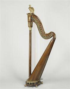 Harp of Empress Josephine (Harpe de l'impératrice Joséphine).