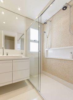 Box para banheiro amplo com portas de vidro com duas folhas de vidro