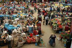Mercado  de  productores  de Urubamba - Cusco  Perú.