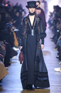 ***Collection ELIE SAAB - Winter 2019 - PARIS***