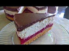 Kolač sa malinama i čokoladom/Ovaj kolač treba probati Sweet Desserts, Sweet Recipes, Cake Recipes, Dessert Recipes, Torte Cake, Oreo Cupcakes, Choux Pastry, Sweets Cake, Food Design