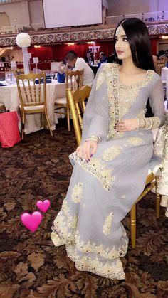 Beautiful Pakistani Dresses, Pakistani Formal Dresses, Pakistani Bridal Wear, Pakistani Outfits, Indian Dresses, Indian Outfits, Bollywood Outfits, Beautiful Dresses, Stylish Dresses