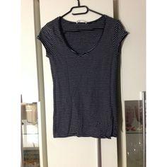 4b57e3ef152e Zara Basic T-Shirts günstig kaufen   Second Hand   Mädchenflohmarkt