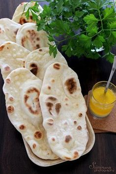 Sünis kanál: Naan - indiai lepénykenyér Indian Food Recipes, Vegan Recipes, Cooking Recipes, World Recipes, Low Calorie Recipes, Naan, No Bake Cake, Good Food, Food Porn