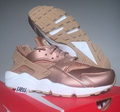 Nike W Air Huarache Run SE Rose Gold Metallic Red Bronze Elm Size 11 859429 900  #Nike #RunningCrossTraining