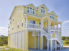 Y'all Come Inn!, 6 bedroom Sound Side home in Avon, OBX, NC (on Askin's Creek...Nice, clean and spacious, private pool, hot tub)