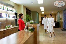La răsfăț și relaxare înainte! 😍 #HotelVizitat AZALIA BALNEO AND SPA 4* 🕌 din stațiunea Sf. Constantin și Elena, #Bulgaria, îți oferă acum până la 🤩 30% Reducere #EarlyBooking 🤩 pentru sejurul tău din vara 2️⃣0️⃣2️⃣1️⃣ Resort-ul îmbină perfect conceptul #AllInclusive 🥗 cu plaja cu nisip auriu și apă turcoaz 🏖, iar centrul SPA oferă facilități de relaxare, masaj, saună 🧖🏼♀️ și piscină interioară cu apă minerală 💧 Sf Constantin, Punta Cana, Antalya, Tenerife, Bulgaria, Restaurant Bar, Aqua, Coat, Fashion