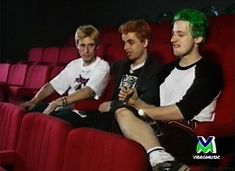 """Green Day. Billie Joe Armstrong, Mike Dirnt, Tre Cool.  """"Tre, what you doing?"""" хд"""