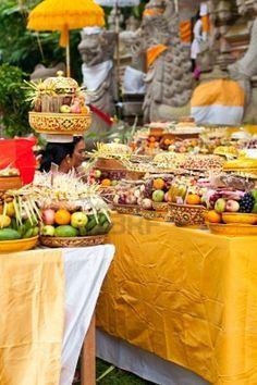 Offering in Tirta Empul temple, Bali