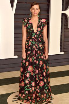 Rashida Jones attends the 2015 Vanity Fair Oscar Party hosted by Graydon Carter at Wallis Annenberg Center for the Performing Arts on Feb. 22, 2015, in Beverly Hills, California wearing Andrew Gn.